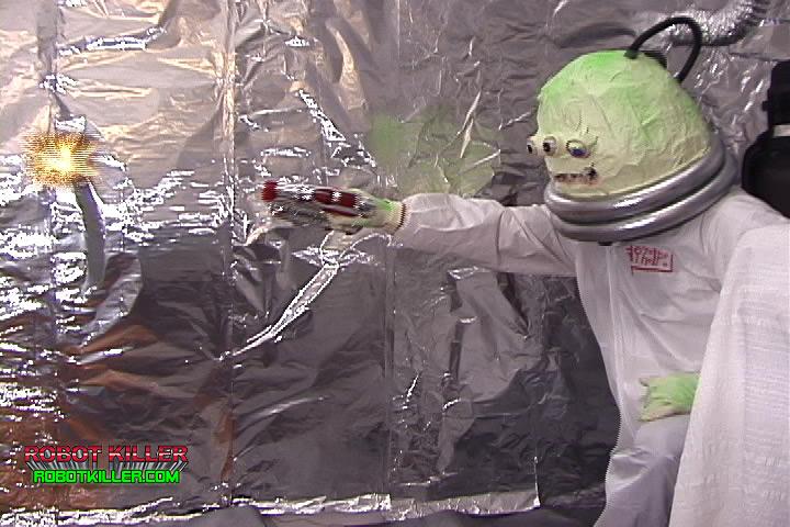 Robot Killer-Alien Shoots Laser